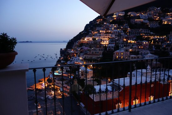 Villa Rosa: The lights of Positano