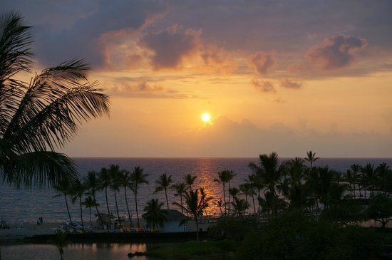 Waikoloa Beach Marriott Resort & Spa: sunset from the 4th floor