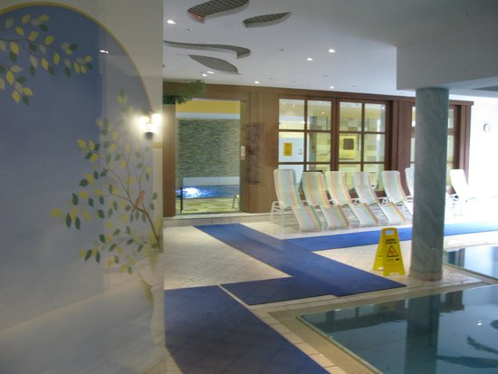 Hotel Sonnschein: Indoor swimming pool.