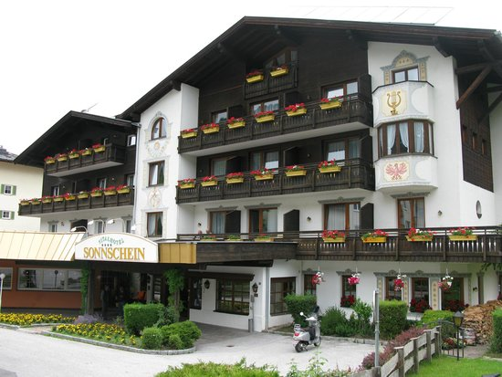 Hotel Sonnschein: Front of Hotel, main entrance.
