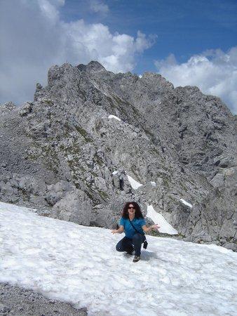 Innsbrucker Nordkettenbahnen: restava um pouquinho de neve...