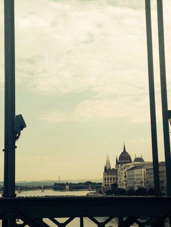 Sofitel Budapest Chain Bridge: Budapest Chain Bridge