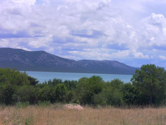 Mediterranean Village San Antonio: lago di vrana