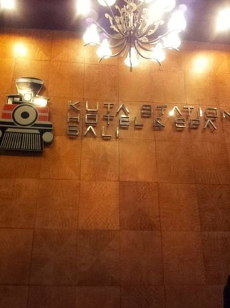 Kuta Station Hotel: Lobby