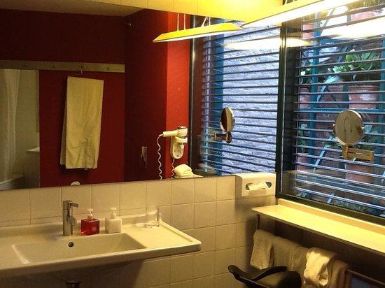Casa Camper Hotel Barcelona : Camper Suite Bathroom