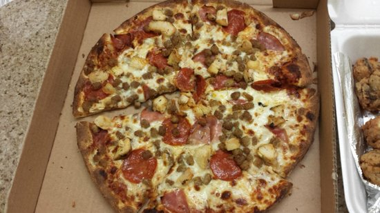 Port A Pizzeria: 12 INCH PIZZA WITH 5 ITEMS??
