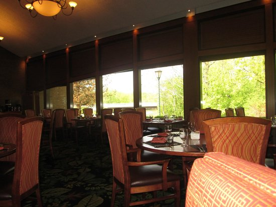 Hilton Northbrook: Algauer's Restaurant at Hilton