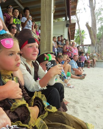 Ocean Adventures - Caribbean Pirates: Pirate Fight in Pirate Town