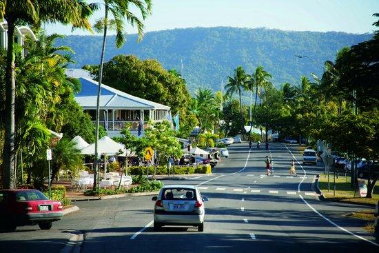 Bay Villas Resort: Port Douglas Village