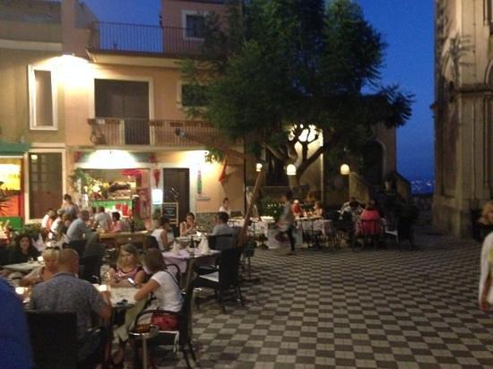 Parc Hotel Ariston & Palazzo Santa Caterina: Quaint Castelmola-a must!