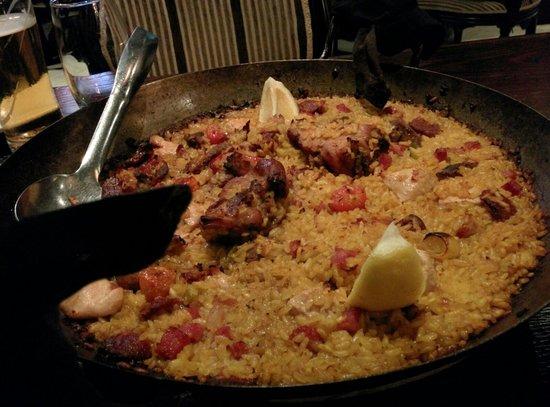 Tapaz : Paella con Carne