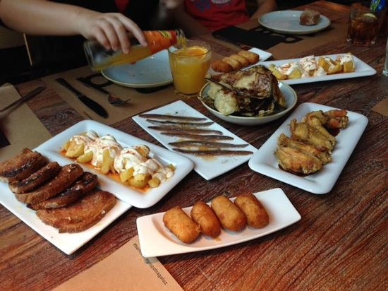 Bar Lobo : Potatoes, Croquettes, Anchovies, Chicken Wings and Anchovies