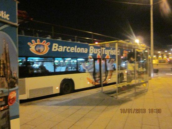 Barcelona Bus Turistic: Parada en la Estaciòn de Sants