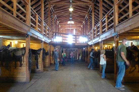 Bull Hill Guest Ranch: The barn