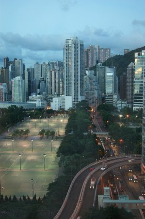 Regal Hongkong Hotel: Nightly view from the 18th floor