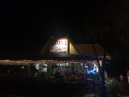 Evelyn's Restaurant: Great place to eat, make sure you stop here while you're in town