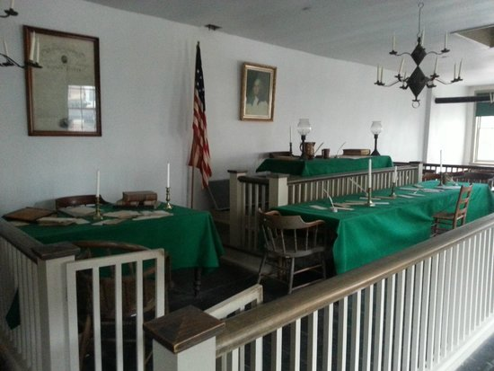 Lincoln-Herndon Law Offices State Historic Site: Court Room