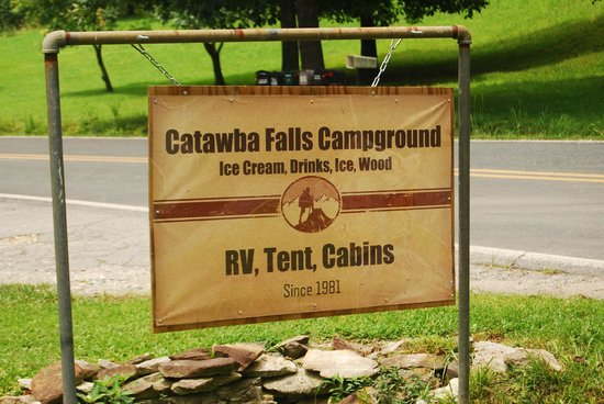 Catawba Falls Campground: Road Sign