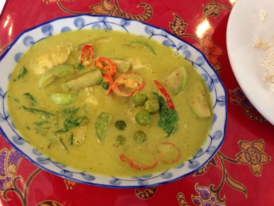 Kata Thai Cooking Class: Green curry Kelly taught me...