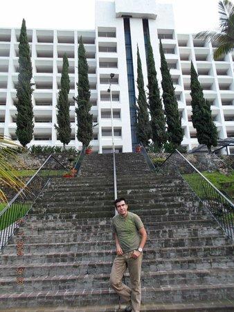 Hotel Aristos Mirador Cuernavaca: Área cercana a la alberca.