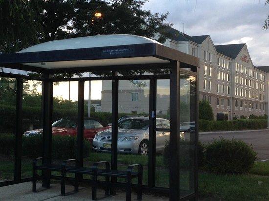 Hilton Garden Inn Ridgefield Park : Bus stop