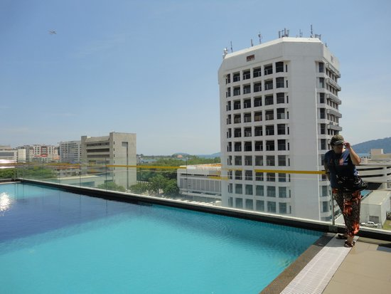 Horizon Hotel: A piscina no 6º andar