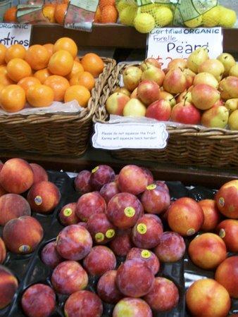 St. Lawrence Market: Colorfull fruit