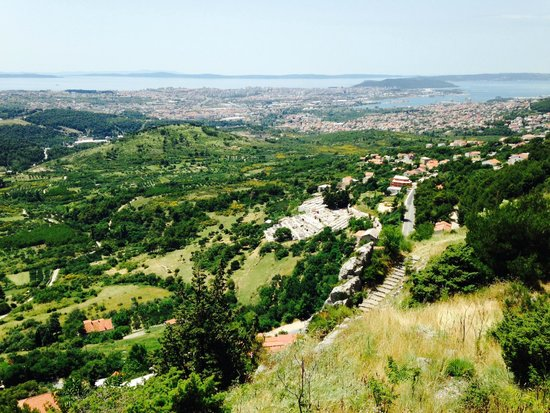 how to get to klis fortress from split