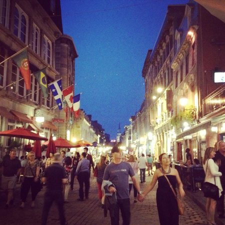 Rue St-Paul : The promise of old Montreal