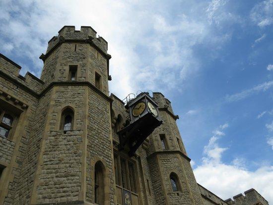 Torre de Londres: prédio de exposição das jóias Reais.