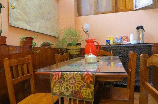 Hostal Wasichay : Comedor, tiene 3 mesas, pero son pocas habitaciones