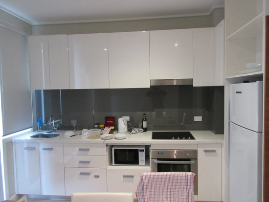 Silverwater Resort: The modern apartment kitchen