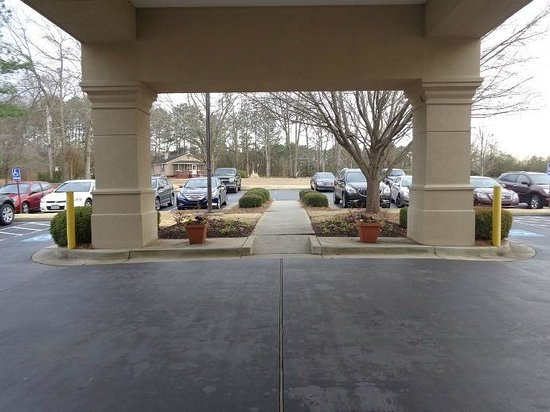Hampton Inn Lagrange near Callaway Gardens : leaving the hotel