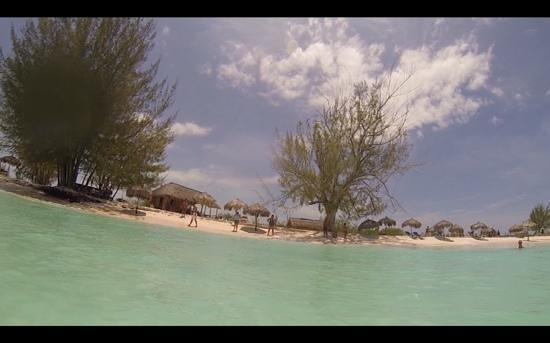 Playa Paraiso : praia de mar calmo.