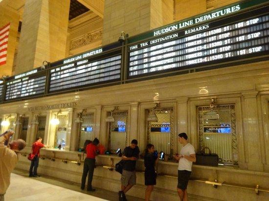 Grand Central Terminal: 現代社会と調和してます。