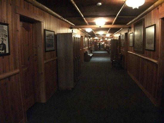 McMenamins Old St. Francis School: hotel hallway
