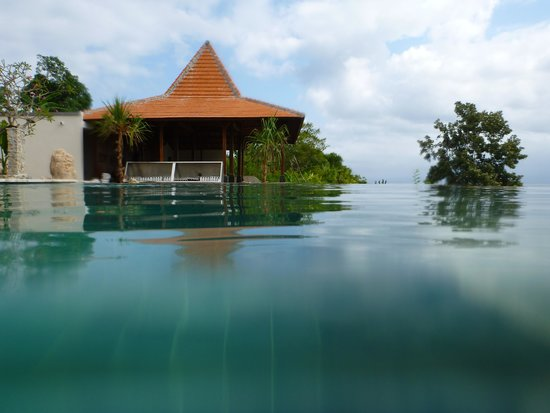Lembongan Cliff Villas: Top pool