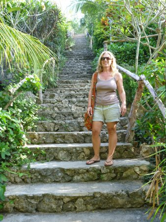 Lembongan Cliff Villas: Beware the Stair
