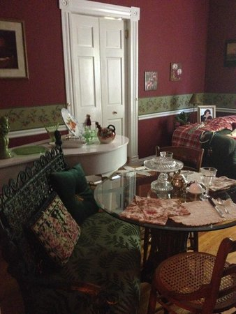 Maison LaVigne: Dining room