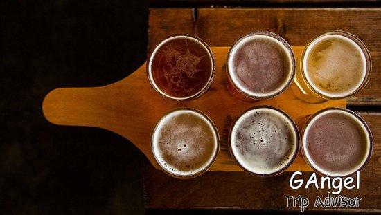 Lucky Labrador Brew Pub: The selection
