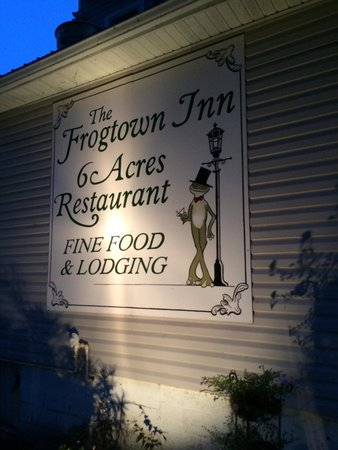 The Frogtown Inn: The sign.
