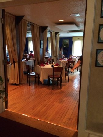 The Frogtown Inn: The dining room.