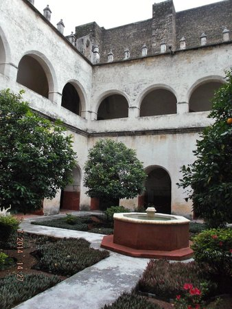 Ex Convento Dominico de la Natividad: Interior del ex convento
