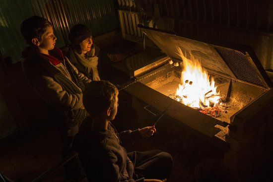 Down to Erth B &B: Toasting Marshmellows