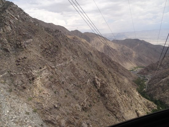 Palm Springs Aerial Tramway: View from inside the cabin