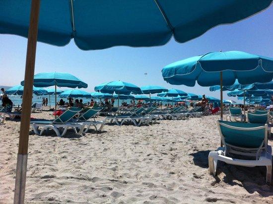 Eurostars Vintro Hotel : Beach chars2