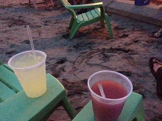 Anchor Inn And Marina : Drinks on the beach - Red Cat Slushies!