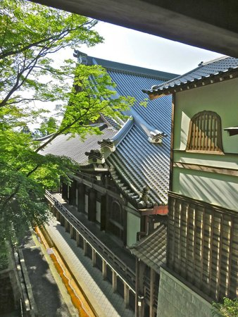 Eikan-dō : Views of the temple walkway