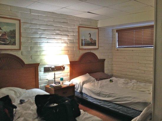 The Resort at Schlitterbahn: basement bedroom