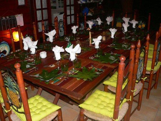 Domaine Karaibes: Décoration de la table d'hôte